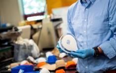 Các nhà nghiên cứu Canada phát triển khẩu trang y tế phân hủy sinh học