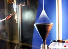 Các nhà khoa học từ Sachsen-Anhalt tạo ra sợi siêu polyme